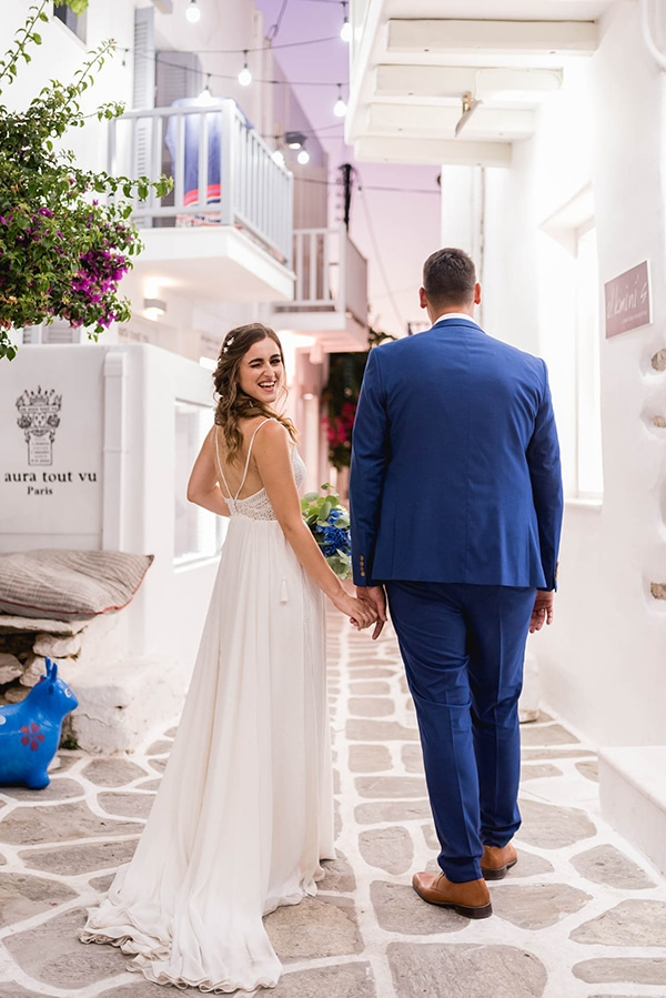 summer-wedding-paros-white-blue-hues_24x