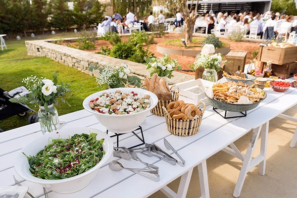 tasty-suggestions-wedding-catering-satisfy-guests_01