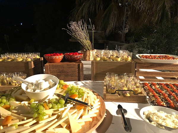 tasty-suggestions-wedding-catering-satisfy-guests_05