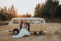 Πρωτοτυπη ιδεα για next day φωτογραφιση με vintage van
