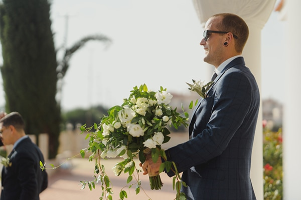 beautiful-fall-wedding-larnaca-white-flowers-greenery_12