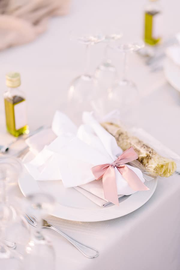 beautiful-wedding-baptism-most-romantic-details_20x