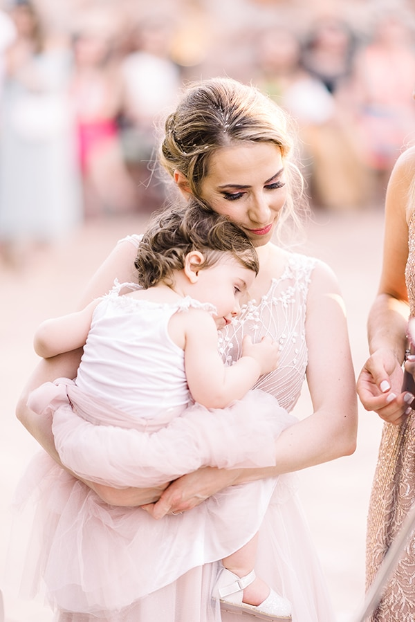 beautiful-wedding-baptism-most-romantic-details_49