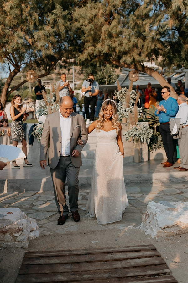 bohemian-summer-wedding-athens-pampas-grass-pastel-hues_12