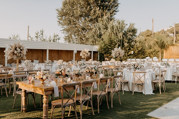 bohemian-summer-wedding-athens-pampas-grass-pastel-hues_21