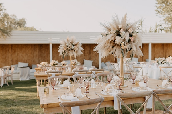 bohemian-summer-wedding-athens-pampas-grass-pastel-hues_22