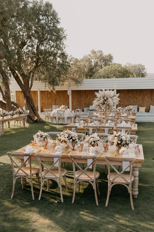 bohemian-summer-wedding-athens-pampas-grass-pastel-hues_23