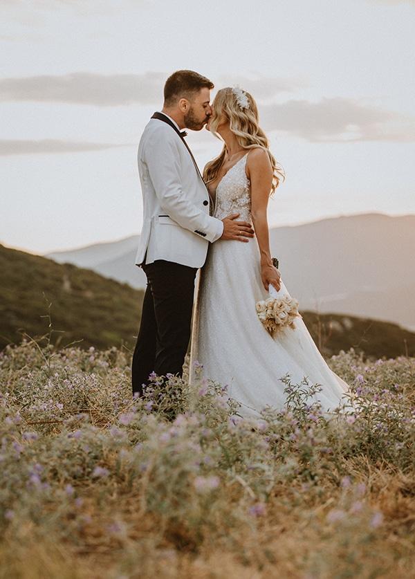 bohemian-summer-wedding-xanthi-pampas-grass-david-austin-roses_03