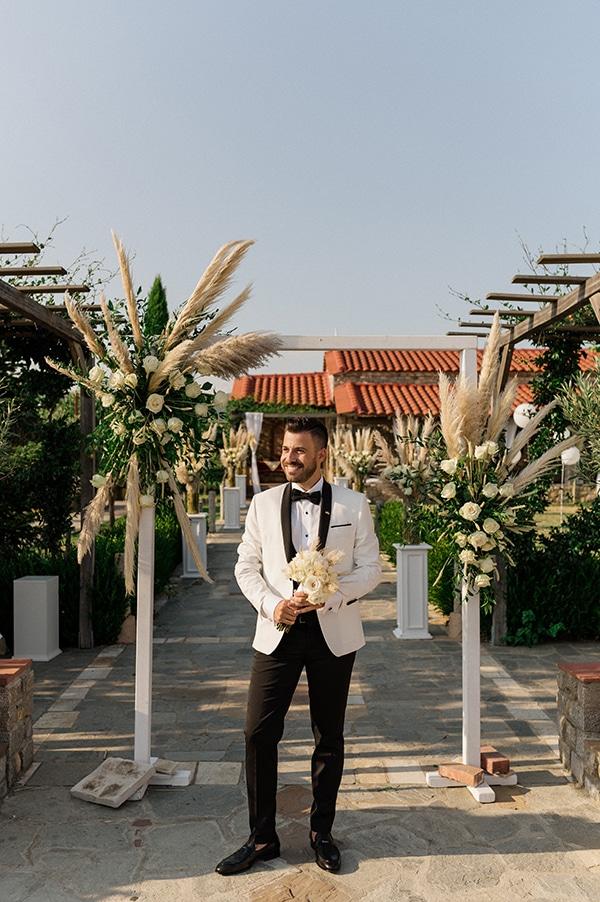 bohemian-summer-wedding-xanthi-pampas-grass-david-austin-roses_21