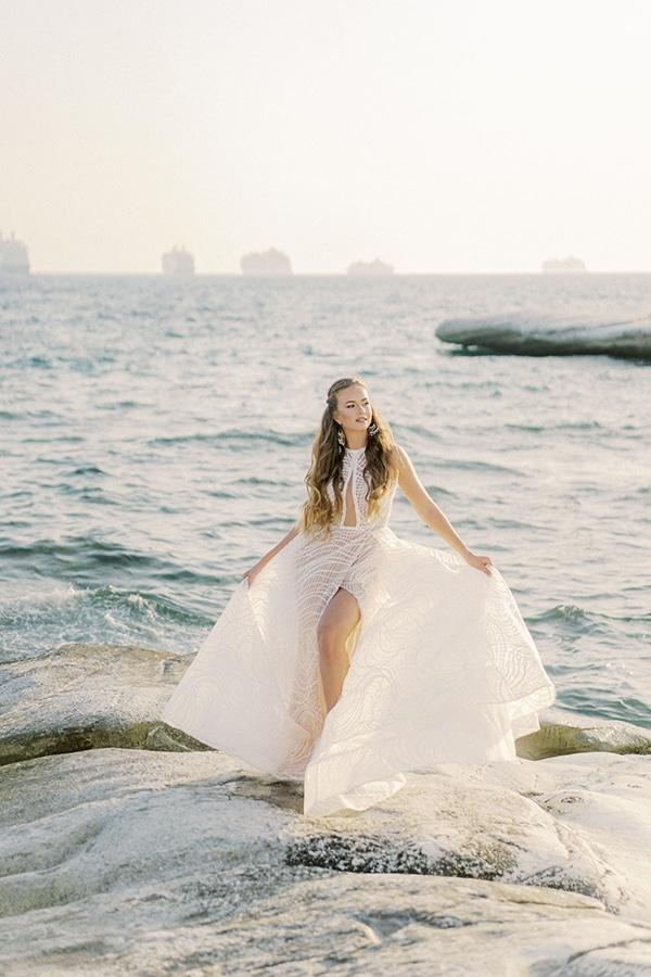 dreamy-styled-shoot-idyllic-location-sea-view_01x