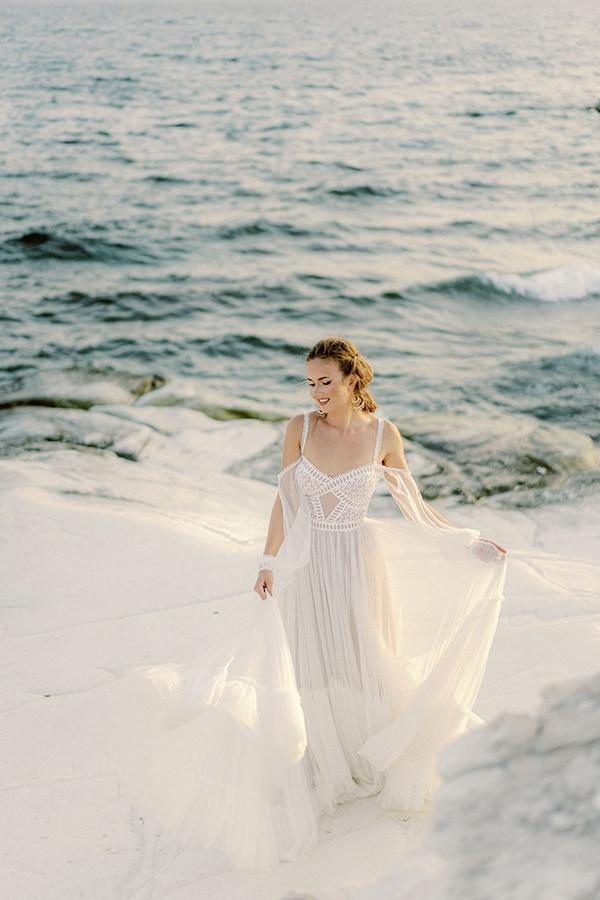 dreamy-styled-shoot-idyllic-location-sea-view_14