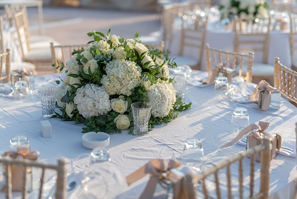 fall-wedding-tinos-romantic-elements-white-hues_11