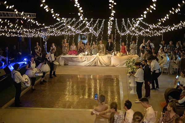 fall-wedding-tinos-romantic-elements-white-hues_21