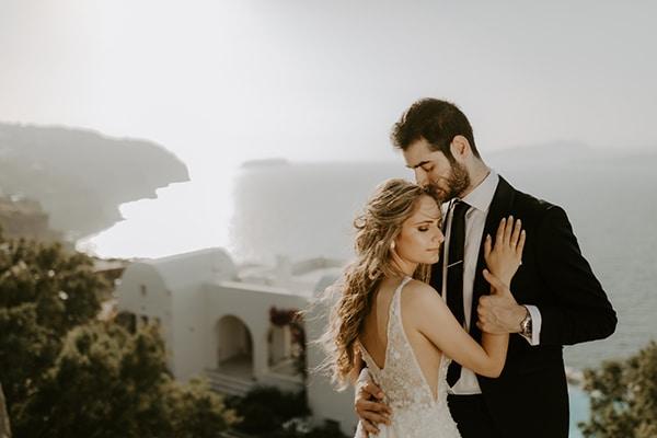 glamorous-wedding-limassol-white-hydrangeas-fairylights_02x