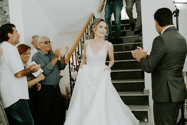 glamorous-wedding-limassol-white-hydrangeas-fairylights_04x