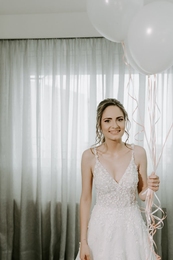 glamorous-wedding-limassol-white-hydrangeas-fairylights_13