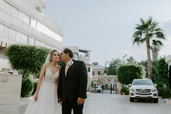 glamorous-wedding-limassol-white-hydrangeas-fairylights_17