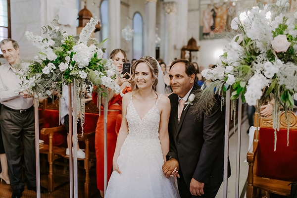 glamorous-wedding-limassol-white-hydrangeas-fairylights_18