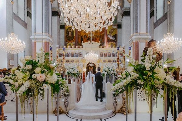 glamorous-wedding-limassol-white-hydrangeas-fairylights_19x