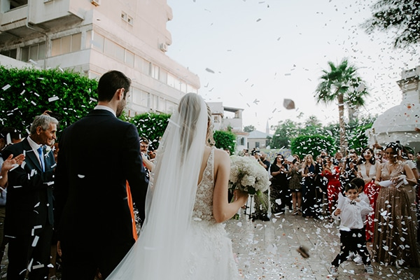 glamorous-wedding-limassol-white-hydrangeas-fairylights_25
