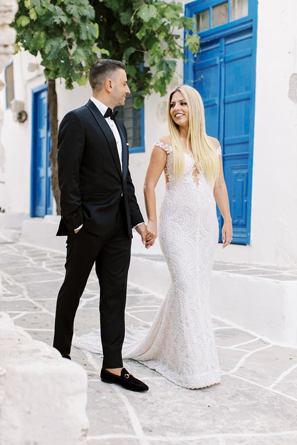luxurious-summer-wedding-sifnos-island-lush-floral-designs_01x