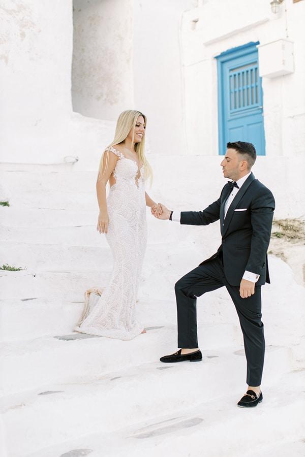 luxurious-summer-wedding-sifnos-island-lush-floral-designs_02