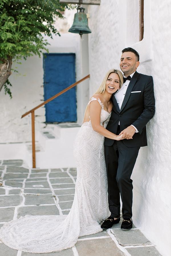 luxurious-summer-wedding-sifnos-island-lush-floral-designs_03