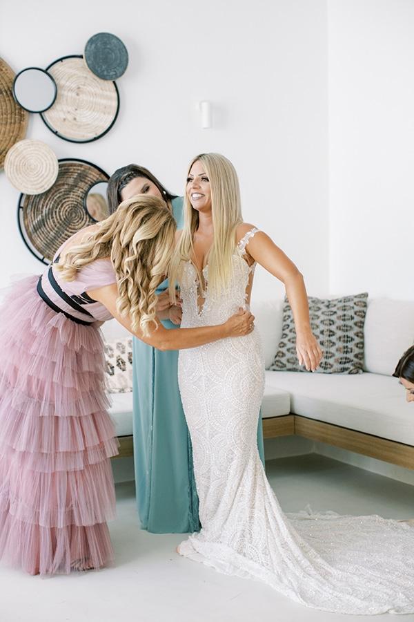 luxurious-summer-wedding-sifnos-island-lush-floral-designs_09