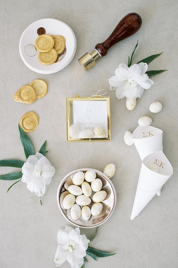 luxurious-summer-wedding-sifnos-island-lush-floral-designs_14