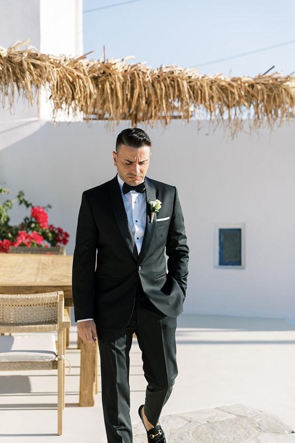 luxurious-summer-wedding-sifnos-island-lush-floral-designs_18