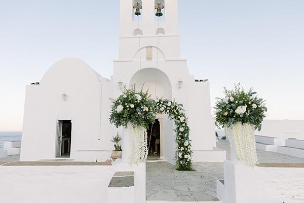 luxurious-summer-wedding-sifnos-island-lush-floral-designs_20