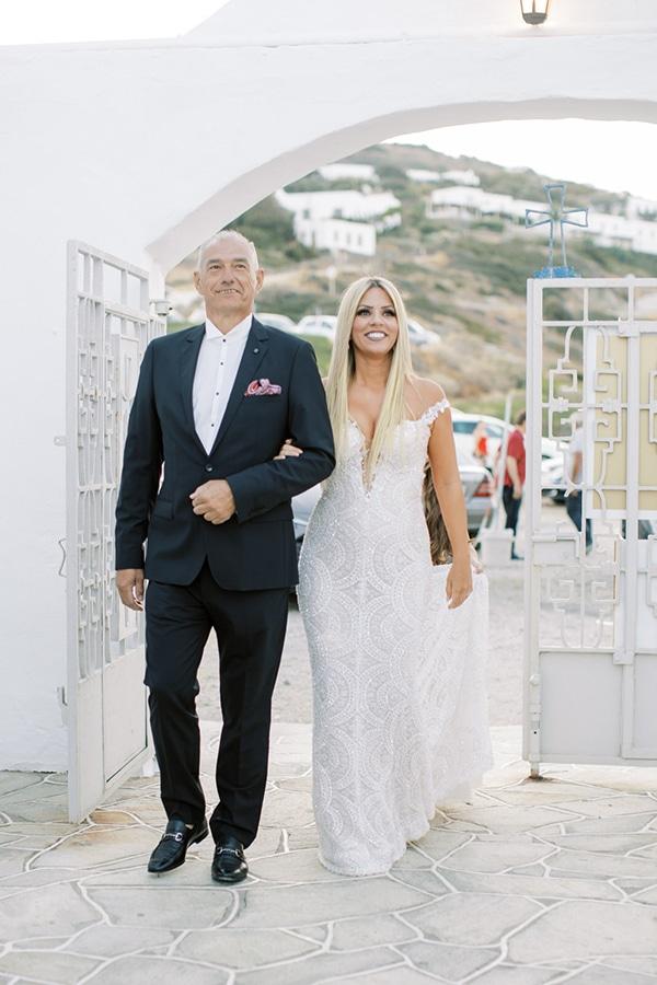 luxurious-summer-wedding-sifnos-island-lush-floral-designs_22