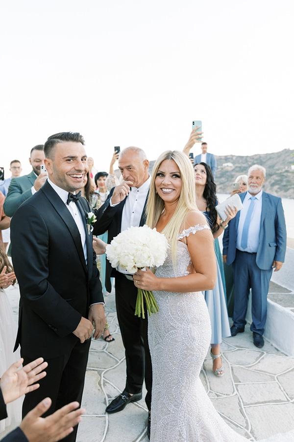 luxurious-summer-wedding-sifnos-island-lush-floral-designs_26
