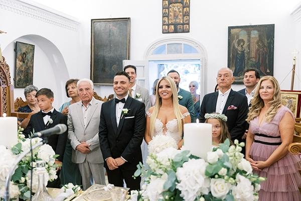 luxurious-summer-wedding-sifnos-island-lush-floral-designs_27