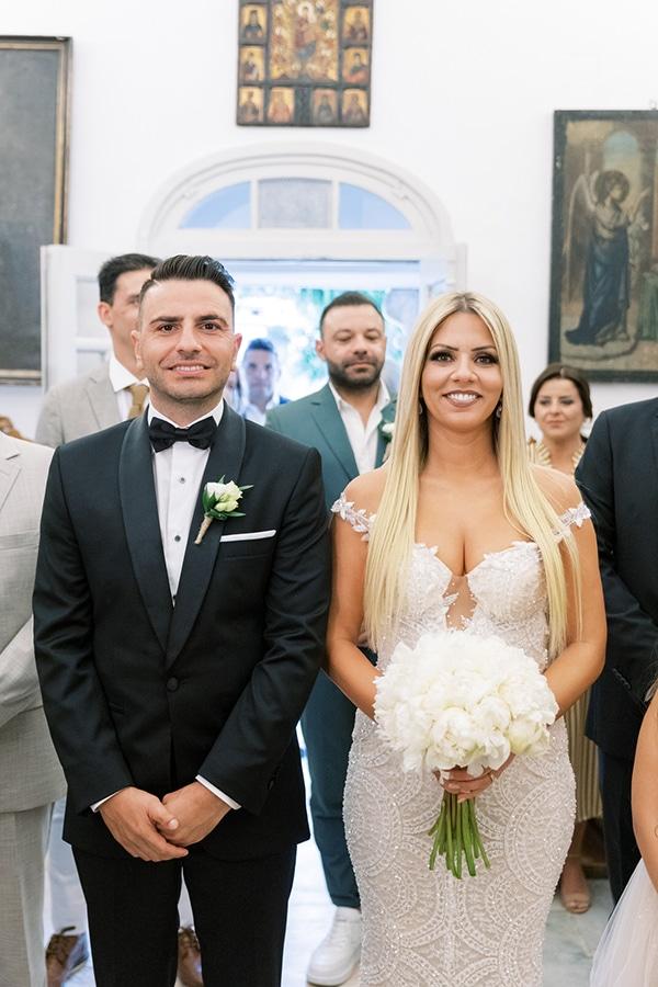luxurious-summer-wedding-sifnos-island-lush-floral-designs_28