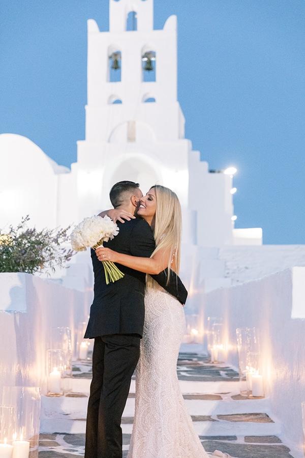 luxurious-summer-wedding-sifnos-island-lush-floral-designs_36