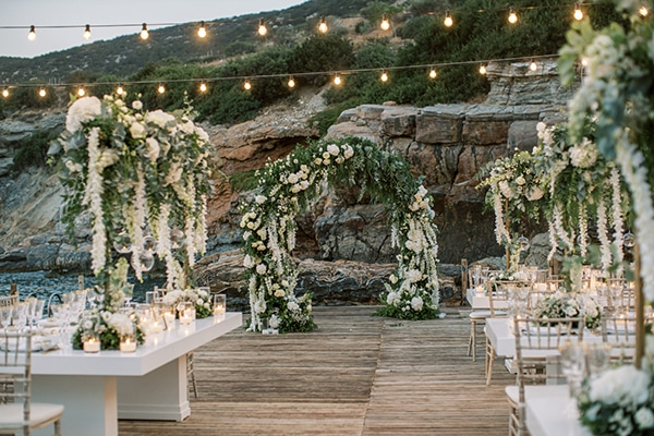 luxurious-summer-wedding-sifnos-island-lush-floral-designs_41