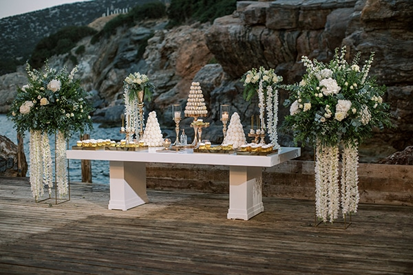 luxurious-summer-wedding-sifnos-island-lush-floral-designs_44