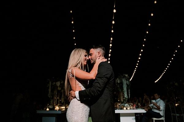 luxurious-summer-wedding-sifnos-island-lush-floral-designs_53