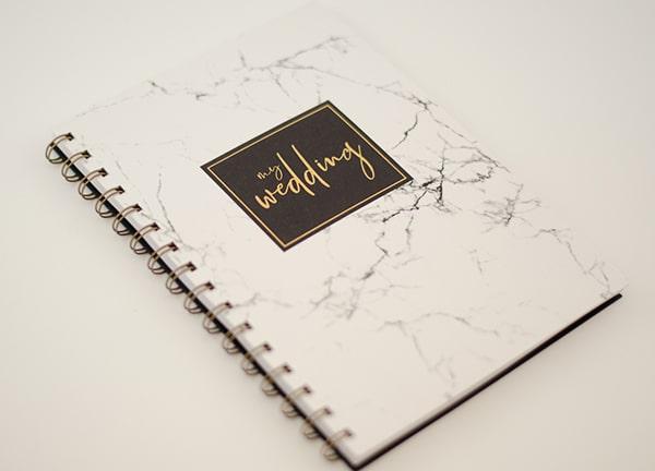Πρωτοτυπα stylish σημειωματαρια γαμου με marble decoration