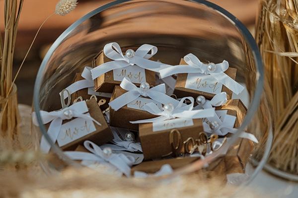Πανέμορφα κουτάκια για μπομπονιέρες σε καφέ απόχρωση