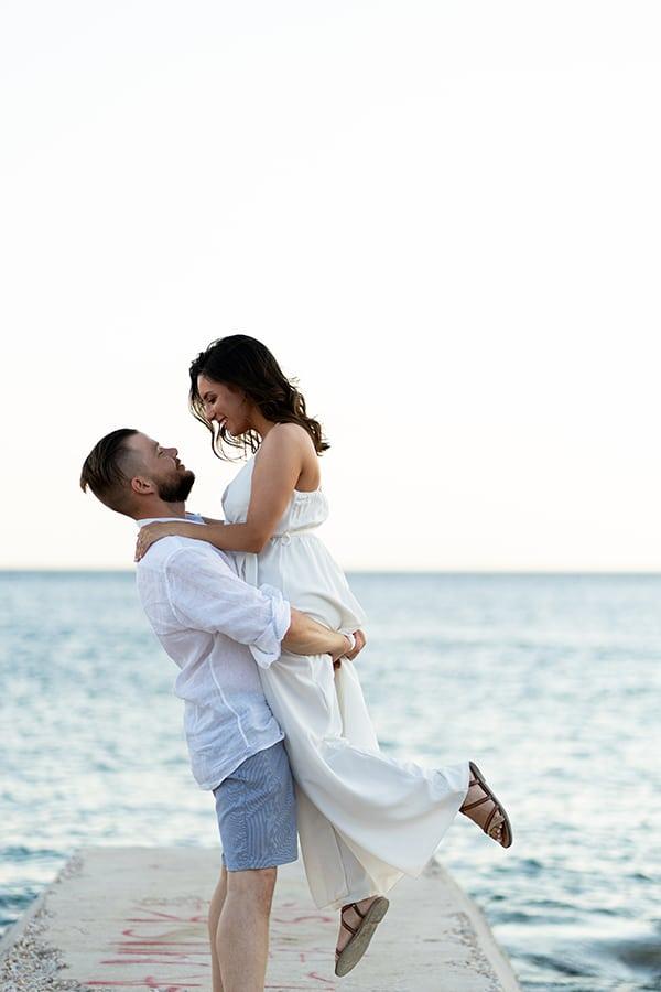 romantic-prewedding-shoot-vouliagmenis-beach_01x