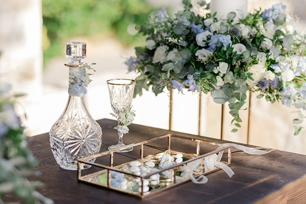 romantic-summer-wedding-athens-dusty-blue-flowers_14x