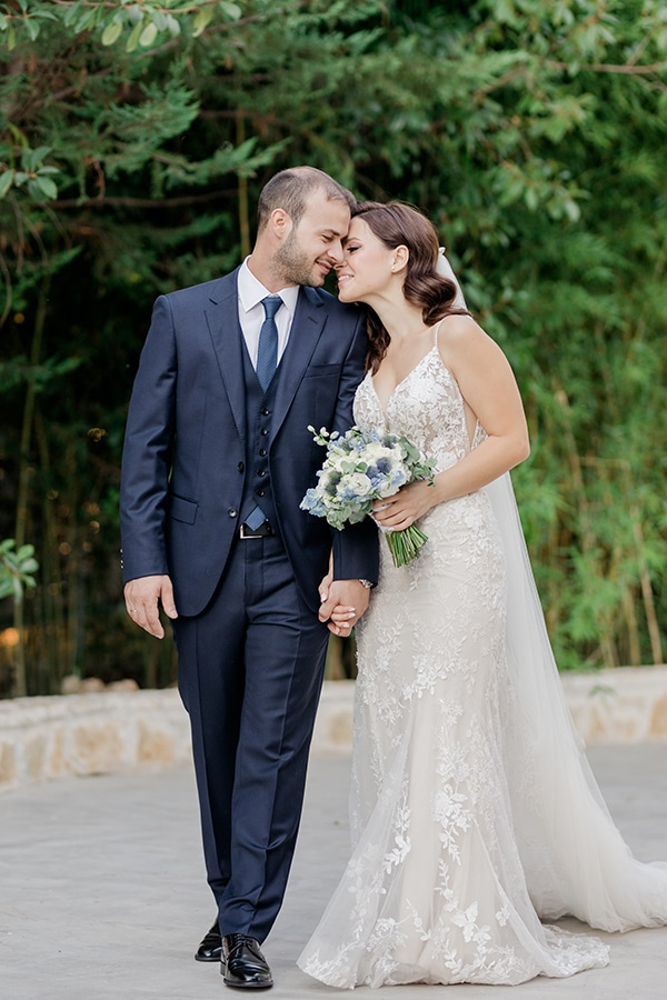 romantic-summer-wedding-athens-dusty-blue-flowers_34