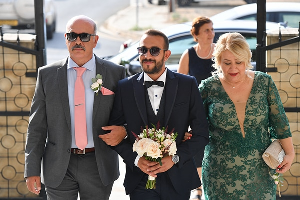 summer-wedding-nicosia-red-roses-lily_13