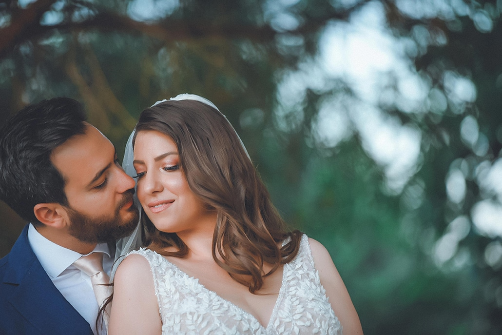 Καλοκαιρινός γάμος στον Πύργο Πετρέζα με πρωτέα και ροζ –  mint αποχρώσεις │ Μαντώ & Γιάννης