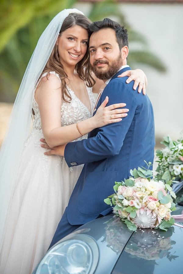 summer-wedding-pyrgos-petreza-protea-pink-mint-hues_02x
