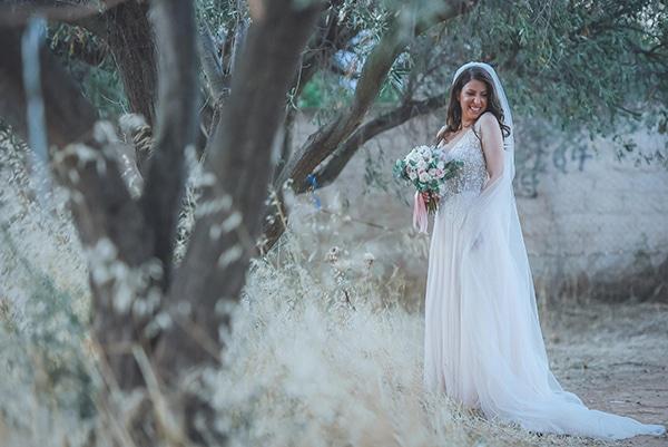 summer-wedding-pyrgos-petreza-protea-pink-mint-hues_03