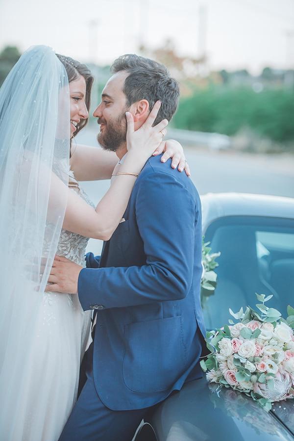 summer-wedding-pyrgos-petreza-protea-pink-mint-hues_03x