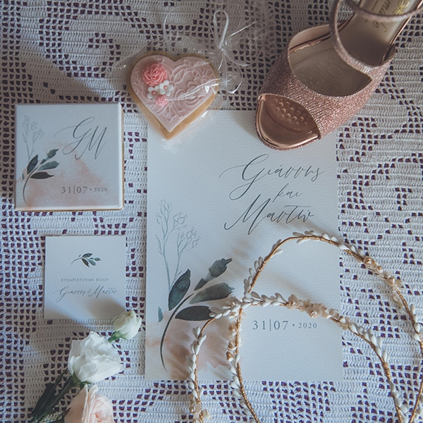 summer-wedding-pyrgos-petreza-protea-pink-mint-hues_04